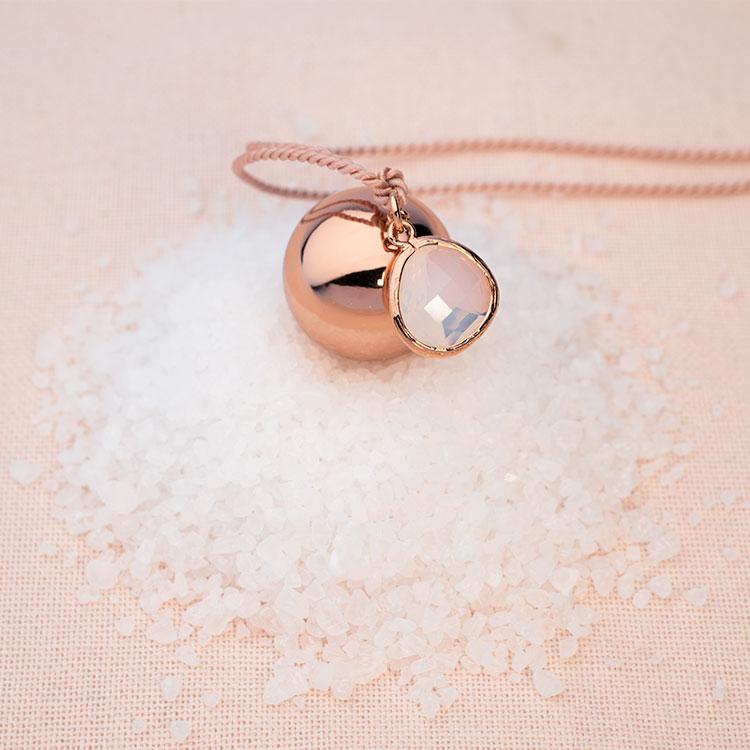 collana in oro rosa bola